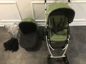 GUC 2008 UPPABaby Vista Stroller System with accessories