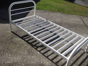 Single Bed with matching trundle Eleebana Lake Macquarie Area Preview