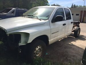 2006 Dodge Ram part out 4x4 4.7L