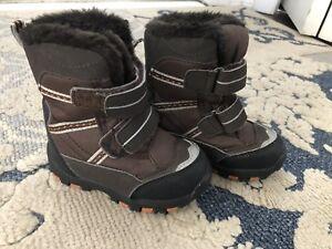 Size 5 Joe Fresh Winter Boots