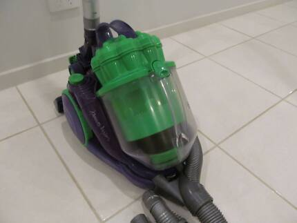 DYSON DC-08 BAGLESS VACUUM CLEANER IN VERY GOOD CONDITION, VAC HA