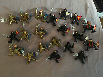 Lot of 20 Fisher Price 1994 Great Adventures Castle BLACK & GOLD KNIGHTS-EB182