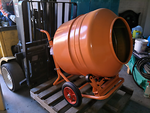 Concrete Mixer/blender machine, also blender of feed, for selling Yagoona Bankstown Area Preview