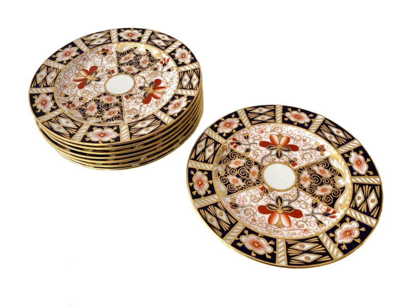 Royal Crown Derby, England, 8, Traditional Imari, 2451, 7 Inch Dessert Plates