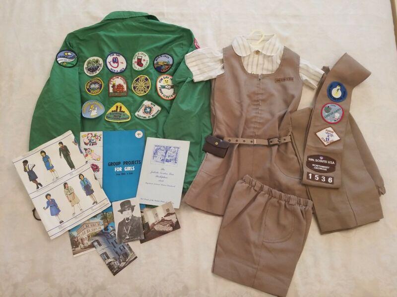 LOT Vintage Sz.8 GSA BROWNIE UNIFORM dress pants Shorts tie Windbreaker, books
