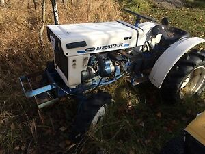 Wanted old broken nonrunning oo unwanted small tractor