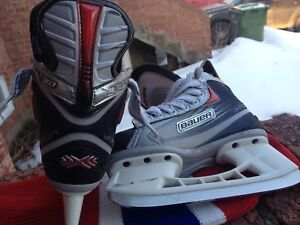 Bauer X20 youth size 11D like new
