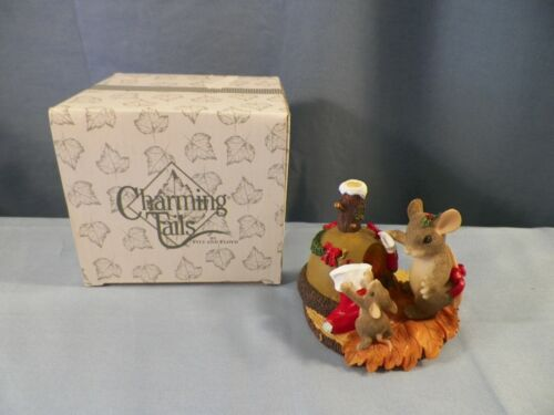 Charming Tails Fitz & Floyd #87/110 The Stockings Were Hung...Chimney Figurine