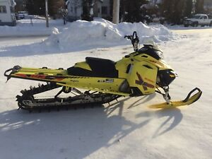 2015 Skidoo Summit X 163 - T3 Package