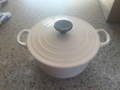 Vintage Le Creuset white Enamel Cast Iron Round Dutch Oven W/ Lid #18 Nice!