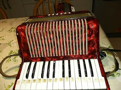 hohner accordion student II, 12 Bass, In Excellent Condition