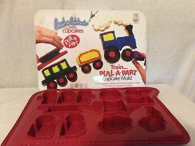 NEW SILICONE TRAIN CAKE PAN PULL A PART LOCOMOTIVE CUPCAKE/JELLO MOLD FREE SHIP - Train Cake Pan