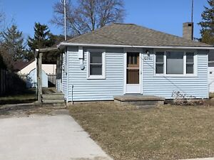 Cottage for Rent - Steps to Lake Huron