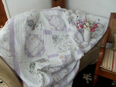 VERY PRETTY LILAC LARGE PATCHWORK QUILT.