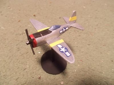 (Built 1/144: American REPUBLIC P-47D THUNDERBOLT Fighter Aircraft)