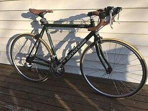 Cannondale R300 Road Bicycle / Bike