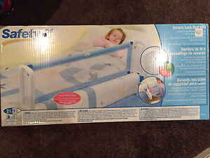 Safety1st secure lock bed rail