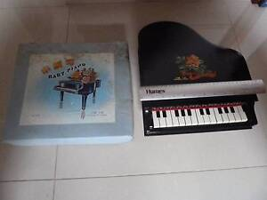 Baby Piano 15 keys Antique Red China Toy 1960's Prospect Prospect Area Preview