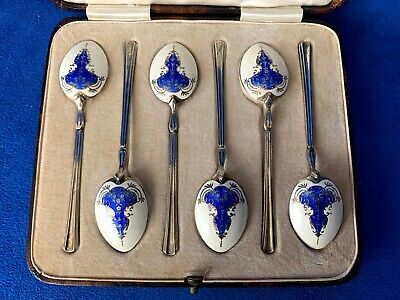 replica of original spoon buckle design Silver Spoon Ring Shamrock embossed