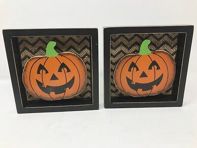 HALLOWEEN Pumpkin 3D Wooden plaque Table Decor Burlap background Set of 2 New - 3d Halloween Backgrounds