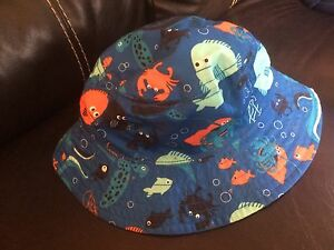 12-24 mos reversible bucket hat