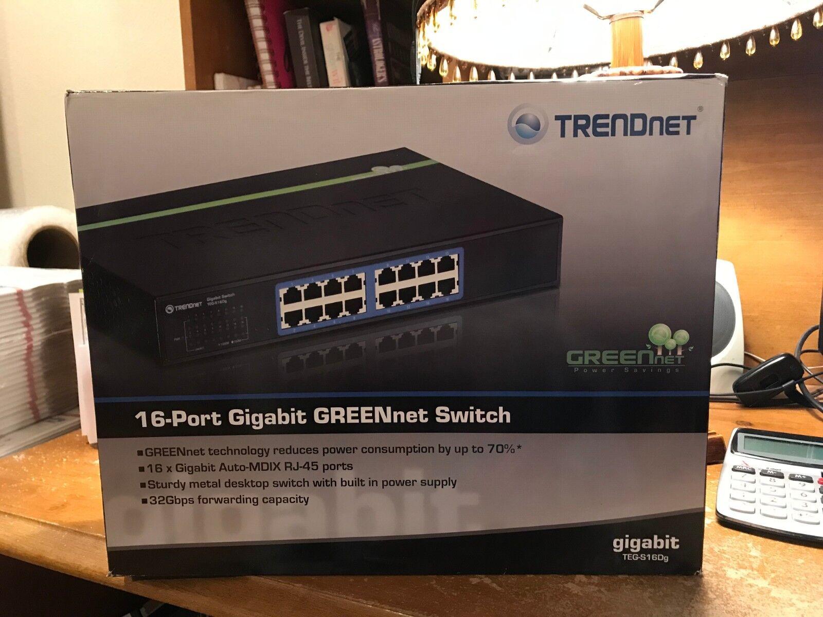 TRENDnet 16-Port Unmanaged Gigabit GREENnet Desktop Metal Ho