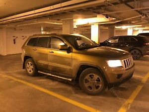 2011 Jeep Grand Cherokee 70th anniversary edition- Trail rated