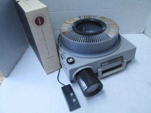 Kodak Ektagraphic E-2 35mm Slide Projector - Remote Control - Zoom Lens!