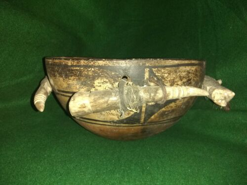 Antique Fetish Pot or Bowl Attributed to Teddy Weahkee Zuni with 4 Horn design