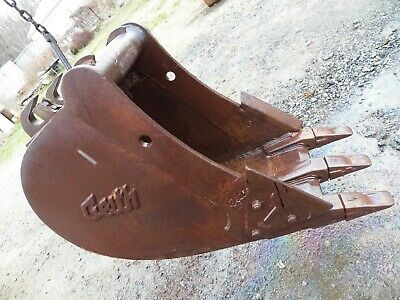 24 Geith Excavator Bucket Quick Attach Type