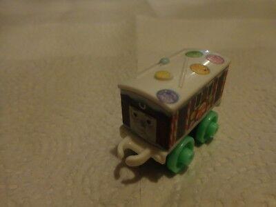 Fisher Price Thomas y Sus Amigos Minis - Navidad Toby Plástico Loco Motor Tren