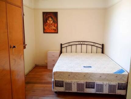 Sweet Room in a Cozy House close to Parramatta CBD