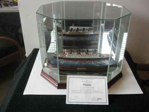 DANBURY MINT THE  TITANIC WITH GLASS CASE AND CERTIFICATE NO BOX VERY NICE