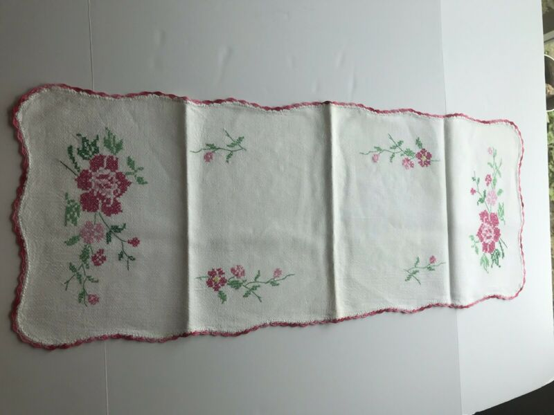 Vintage Table/Dresser Runner Hand Embroidered  and Crochet Roses