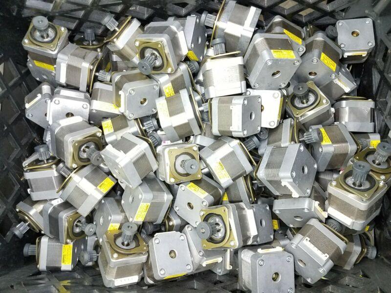 Lot of 100 identical Nema 17 Japan Servo Stepper Motors 51.2oz/in Mill Robot