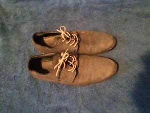 Brown Aldo dress shoes (Size 9)