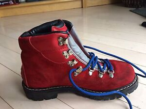 Brand-new Tommy Hifiger Hiking boots.