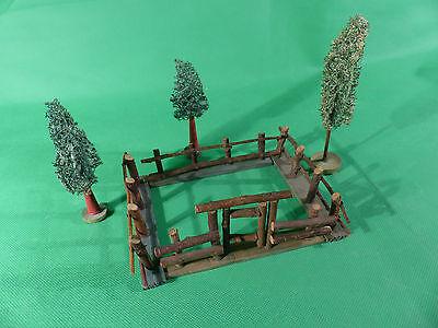 Hausser Elastolin / Lineol Kleintiergehege aus Holz + Luffa Bäume