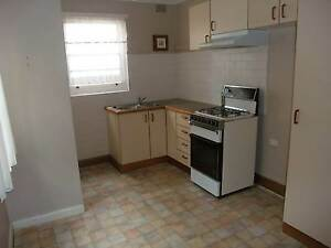 Close to city spacious & cleant - walk to train/bus/amenities Ashfield Ashfield Area Preview