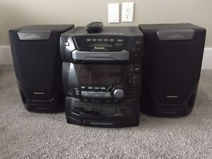 Panasonic CD/Cassette Stereo system with speakers
