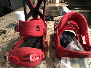 Burton Mission Medium bindings - in like new condition