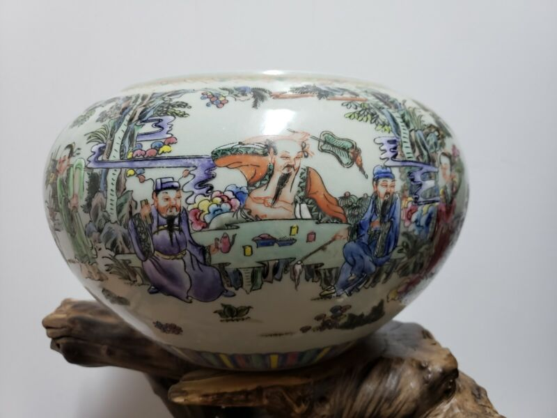 Chinese  Porcelain Families Rose Character Jar Pot