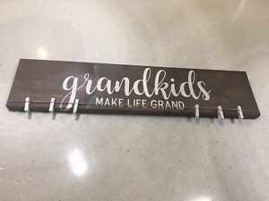 Grey grandkids sign