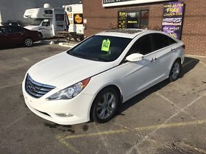 2011 HYUNDAI SONATA LIMITED  ONLY $9995.00  CERT