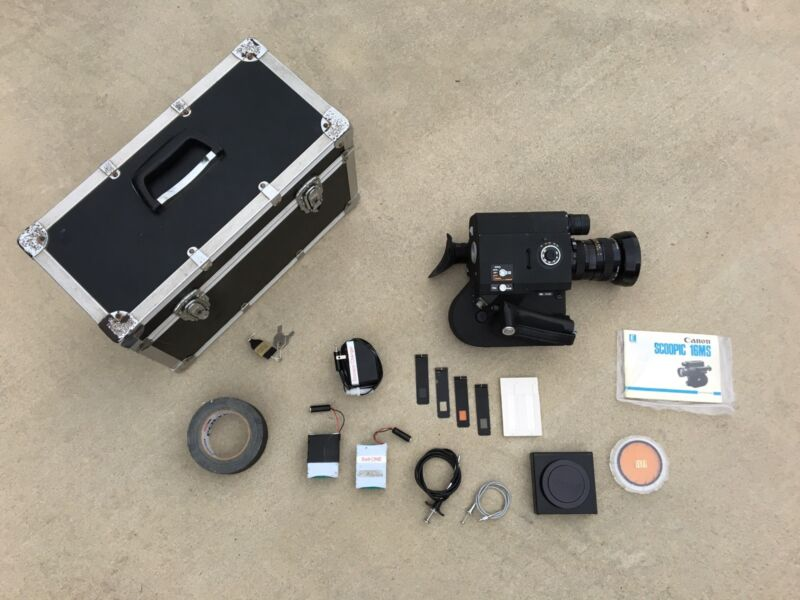 Canon Scoopic 16mm Camera Model 16 MS with Case