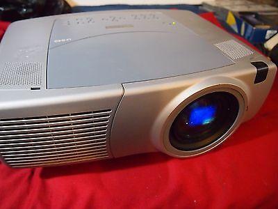 Digital Projector 827 Lamp Hours Tested Works InFocus LP-840