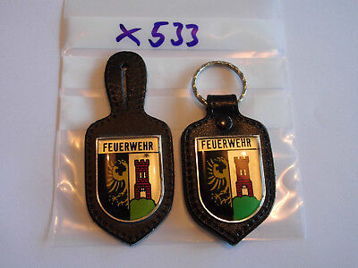 Feuerwehr Brustabzeichen und Schlüsselanhänger 2 Stück (x533) ()