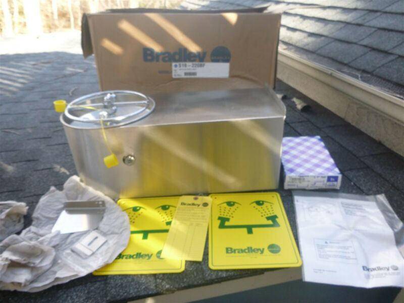 Bradley S19-220BF Industrial Eye Wash Station Wall Mount ~ New Old Stock  in Box