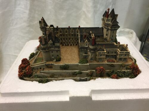 The Danbury Mint Usse Castle Loire Valley, France Enchanted Castles of Europe