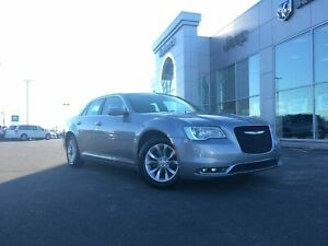 2018 Chrysler 300 TOURING - LEATHER, HEATED SEATS, SUNROOF, NAV